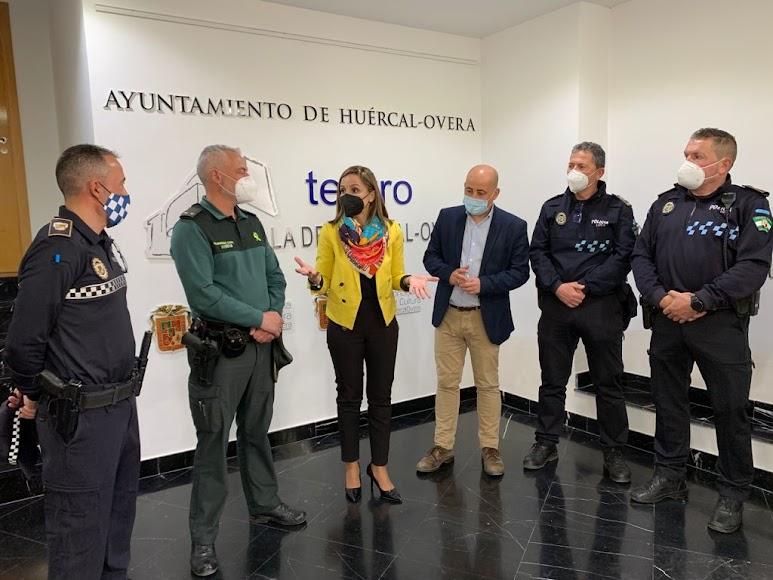 Guardia Civil y Policía de Huércal reconocidos por el dispositivo desarrollado durante la Dana de 2019.