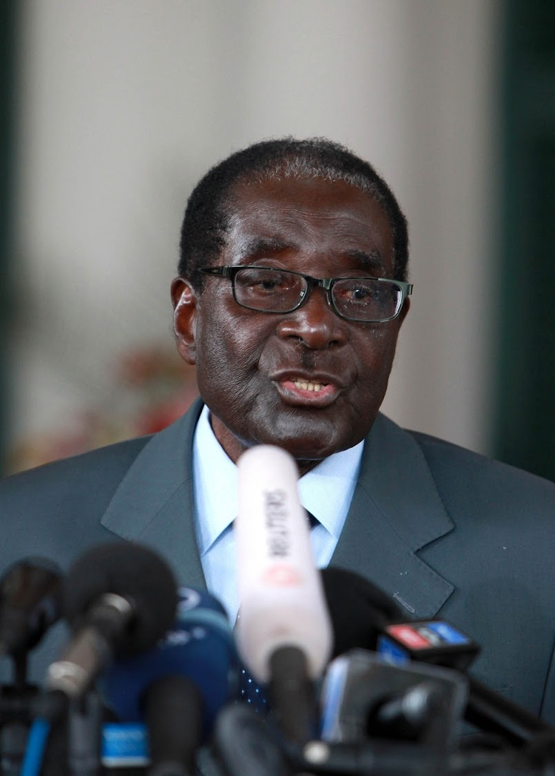 Mugabe to meet Mnangagwa for first time since coup.