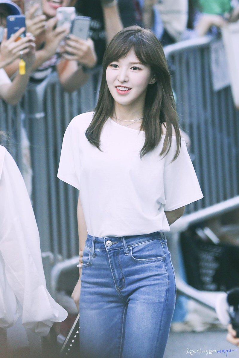 august 2018 brand rep female idol 5