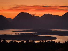 Photo: Jackson Lake at sunset, September 10, 2006.