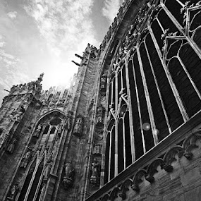 Duomo Milano Church Italy by Lindra Hismanto - Buildings & Architecture Public & Historical ( milan, church, lindra, hismanto, duomo, pwcbuilding, italy )