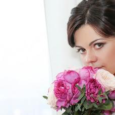 Wedding photographer Svetlana Amosova (LanaAmos). Photo of 10.02.2014