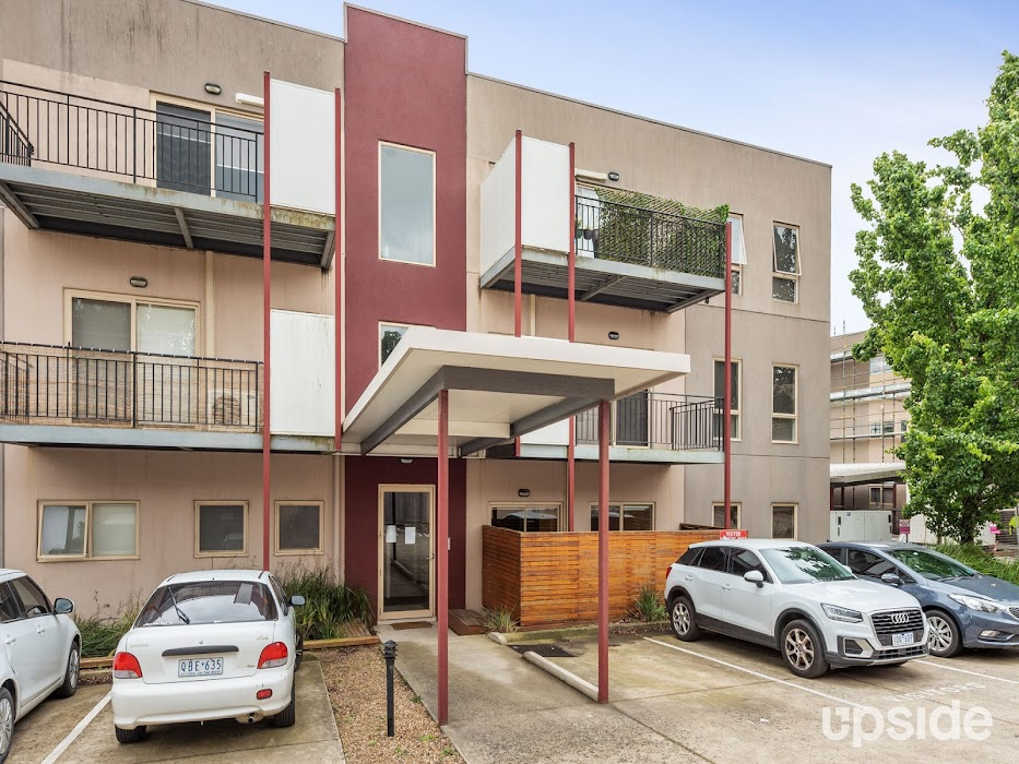 Main photo of property at 10/12 Bourke Street, Ringwood 3134
