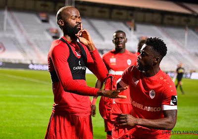📷 Les supporters de l'Antwerp envoient un message très clair concernant Didier Lamkel Zé
