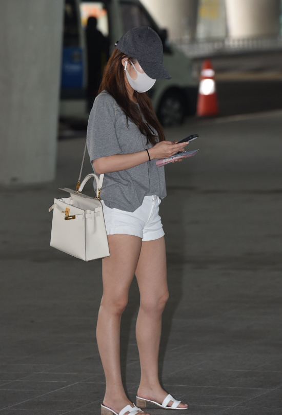 190628_Park_Min-young_Fashion_-_Incheon_Airport-3