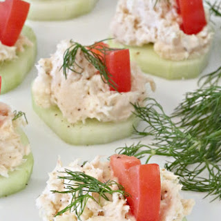 Greek Chicken Salad on Cucumber Slices