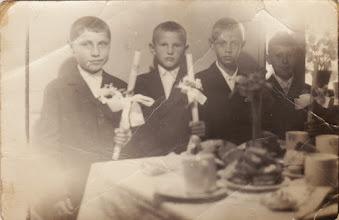 Photo: Elsőáldozó fiúk, 1960-as évek eleje:  Megály Nandi, id.Szikonya József, id Nagy Zoltán (puskás), Dudás László