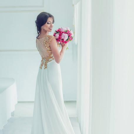 Свадебный фотограф Арина Ратушнова-Осинцева (avph). Фотография от 30.06.2016