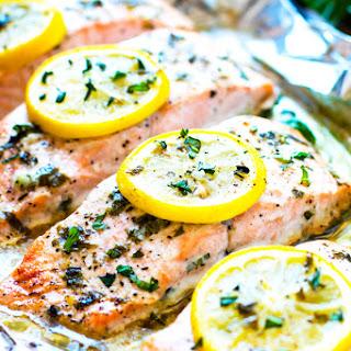 Basil & Lemon Baked Salmon in Foil Recipe
