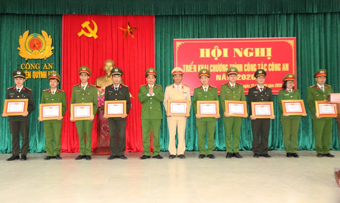 Nhiều tập thể, cá nhân đã được trao tặng các Danh hiệu, Bằng khen, Giấy khen.