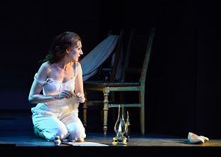 Photo: Wiener Kammeroper: EUGEN ONEGIN. Inszenierung; Ted Huffman. Premiere 2. Oktober 2014. Viktorija Bakan. Foto: Barbara Zeininger