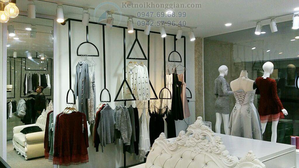 thi công shop thời trang biến hóa theo hoàn cảnh