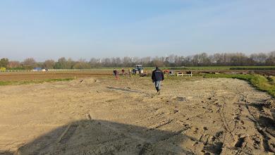 Photo: bij aanvang: nog een grote kale vlakte