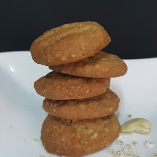 Oats Cashew Nuts Cookies.