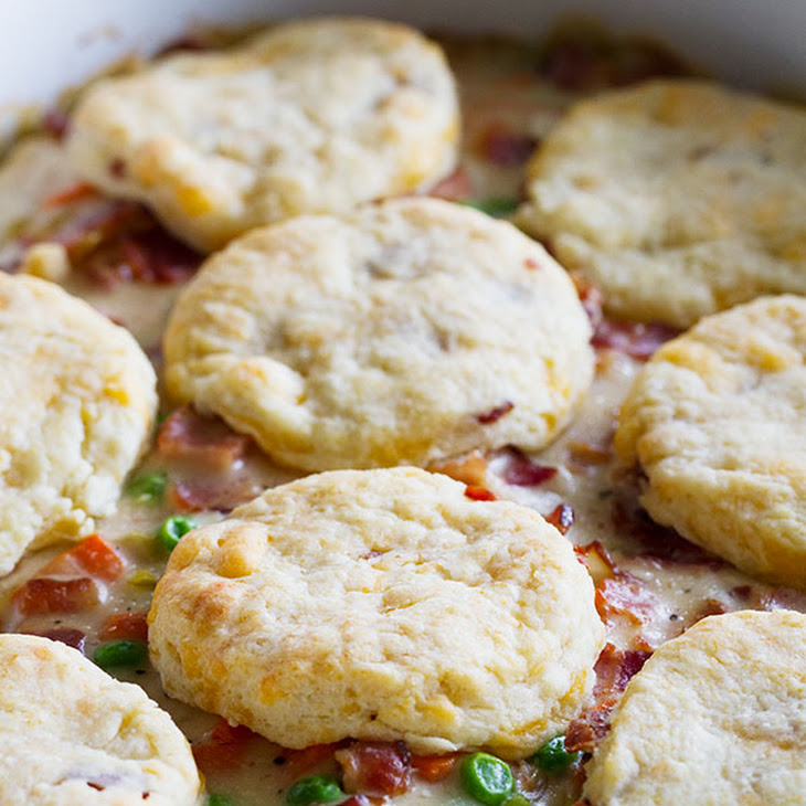 Chicken and Bacon Pot Pie with Bacon Cheddar Biscuits Recipe | Yummly