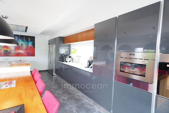 Vente villa 10 pièces 834 m2