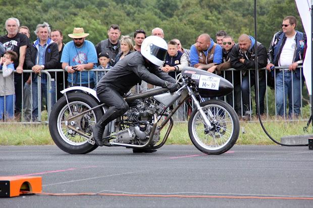 Drag of Vintage Drag Bike Association France. Herve's owner.