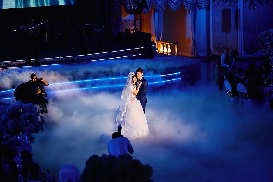 Wedding photographer Evgeniy Oparin (oparin). Photo of 27.03.2019