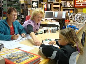 Photo: Anne regelde zelf haar inschrijving...tot en met de handtekening...prima geregeld hoor!