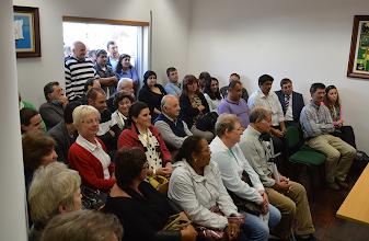 Photo: Sala cheia na primeira reunião com ambiente tenso