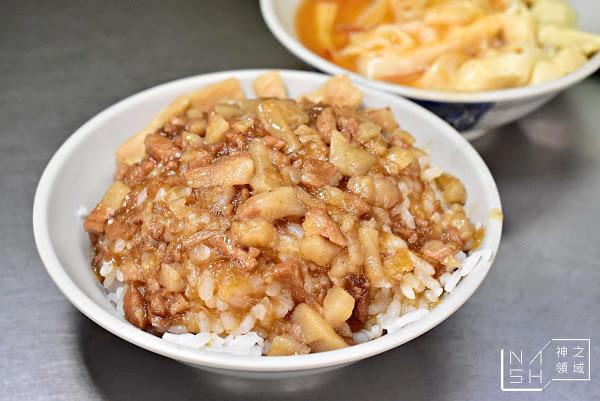 基隆廟口夜市美食|魯肉飯專家 好吃到升天 基隆廟口29號攤