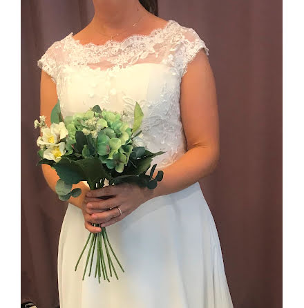 806cv Brudklänning BÄSTSÄLJARE med spetstopp och chiffongkjol