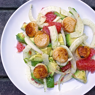 (No Cook Meal..sort of) Fennel and Pink Grapefruit Salad with Seared Scallops and Pink Grapefruit Vinaigrette