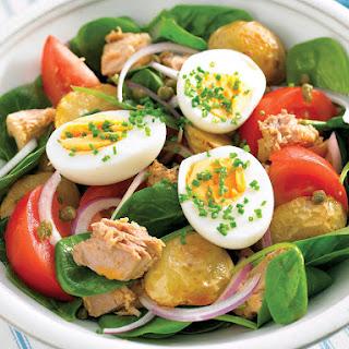 Salad with Roasted Potatoes, Tuna, and Hardboiled Eggs.