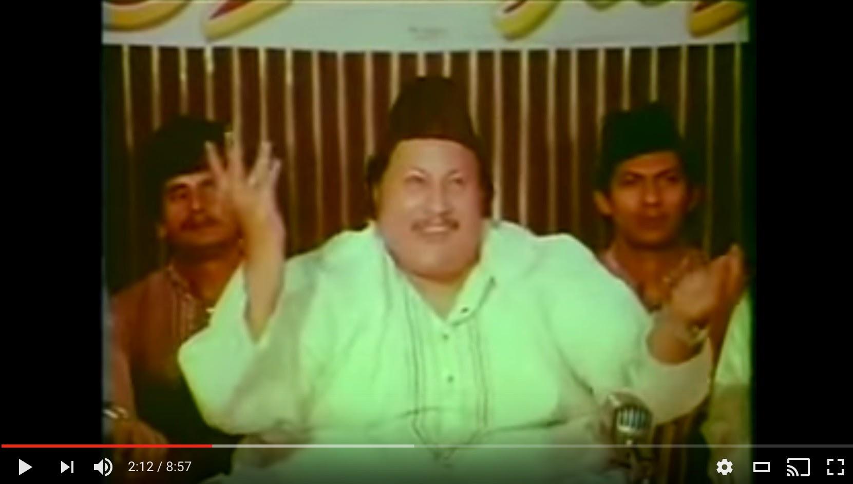 नुसरत फ़तेह अली खां बिस्मिल्ला की बरकत फिल्म में गाते हुए .. Nusrat Fateh Ali Khan singing in the film Bismillah Ki Barkat