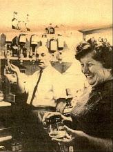 Photo: Bill & Hilda Munday  The Queens Head Wateringbury 1971