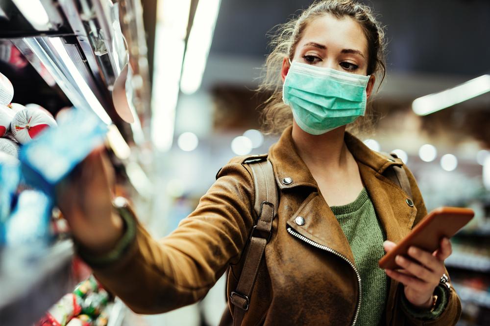 Serão selecionados jovens da faixa etária de 18 a 30 anos, que vão passar 17 dias em uma unidade especial de um hospital em quarentena para o estudo. (Fonte: Shutterstock)