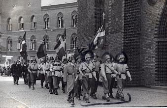 Photo: 1945 Flakhaven i Odense. Markeret med cirkler er sandsynligvis Odense-roere, som deltog i frihedsbevægelsen. Foto sandsynligvis Fyens Stifstidende