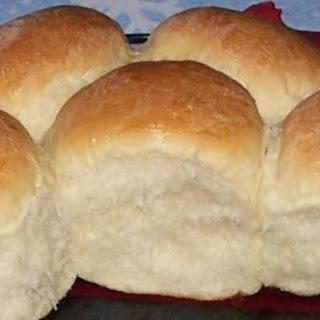 Peggi's Yeast Rolls.