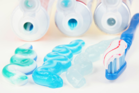 выбрать-зубную-пасту-для-взрослых-275x183.jpg