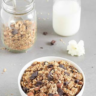 Crunchy Peanut Butter Quinoa Granola