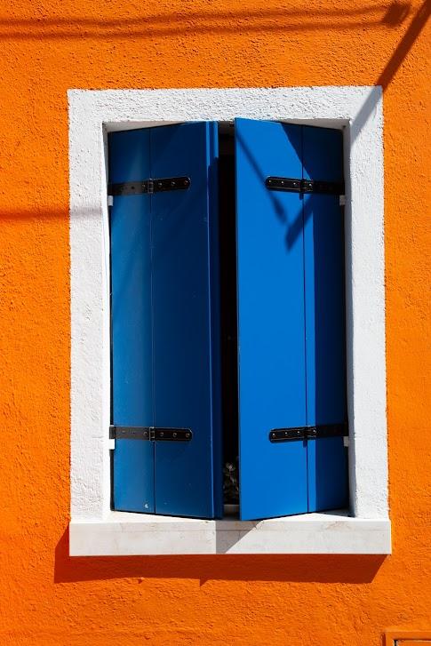 kolorowe domy, okiennice
