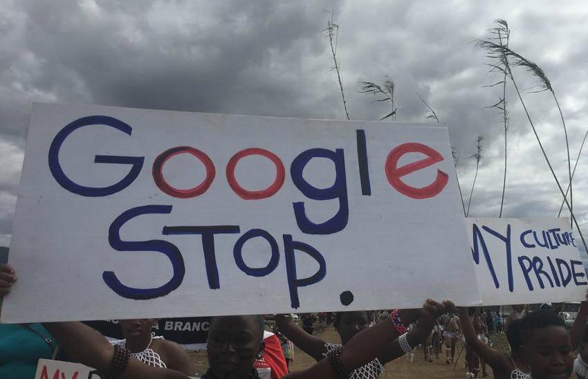 Zoeloe-meisies tree op teen Google-sensuur van 'kaal borste' tydens jaarlikse rietdans - TimesLIVE