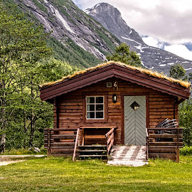 Mountain Cabin by Richard Michael Lingo - Buildings & Architecture Homes ( buildings, norway, homes, cabin, architecture )
