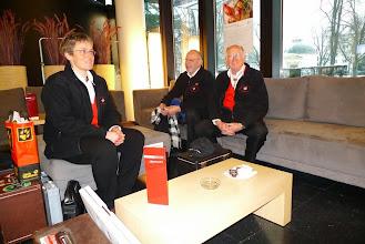 Photo: Im Glashausrestaurant geniessen wir noch einen Kaffee vor dem Eintritt in die Halle.