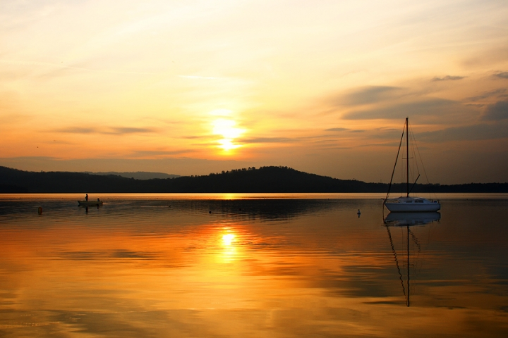 Calma piatta al lago di Yanez