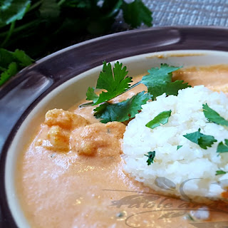 """15 Minute Shrimp Curry with Cauliflower """"Rice""""."""