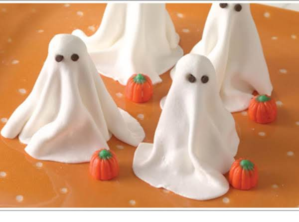 Sweet & Crunchy Ghosts