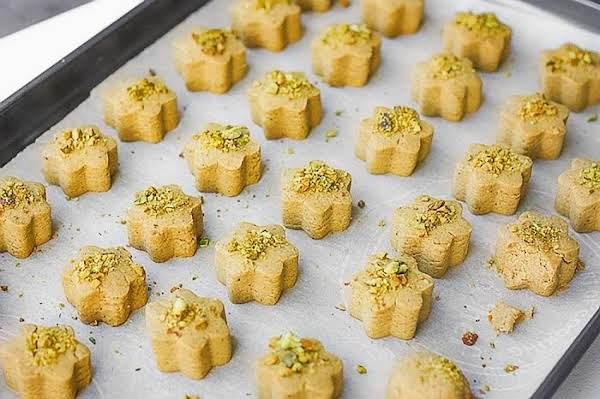 Persian Chickpea Flour Cookies (nan-e Nokhochi ) Recipe
