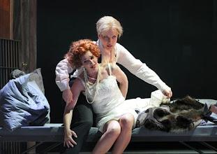 Photo: Wiener Staatsoper: LA CLEMENZA DI TITO - Inszenierung Jürgen Flimm. Premiere 17.5.2012. Juliane Banse, Elina Garanca, Adam Plachetka. Foto: Barbara Zeininger