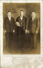 Photo: Od lewej Józef Kwak 'Sobuśw środku z synami Andrzejem i Franciszkiem -Lata 30-te.