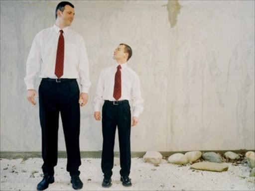Men vs men tall short Very tall