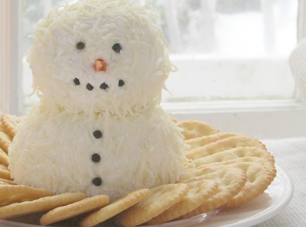 Snowman Cheeseball Recipe