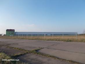 Photo: Firma Bavaria zlokalizowana częściowo na dużym pasie startowym