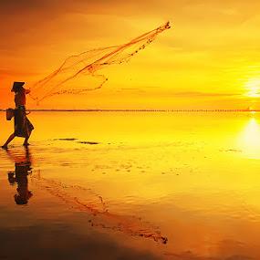 Second Chance by Hendri Suhandi - People Street & Candids ( fisherman )