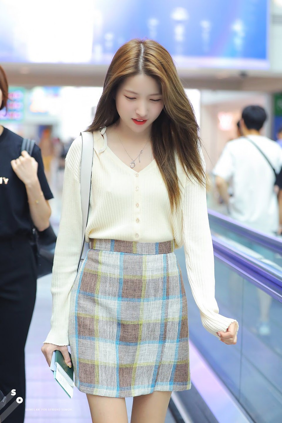 sowon casual 4